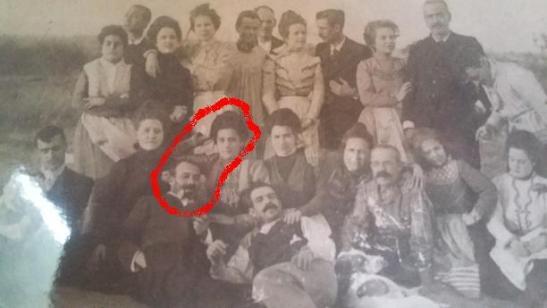 Paco El Marino y Amparo Noguera durante una excursión al campo en algún momento entre 1901 y 1902